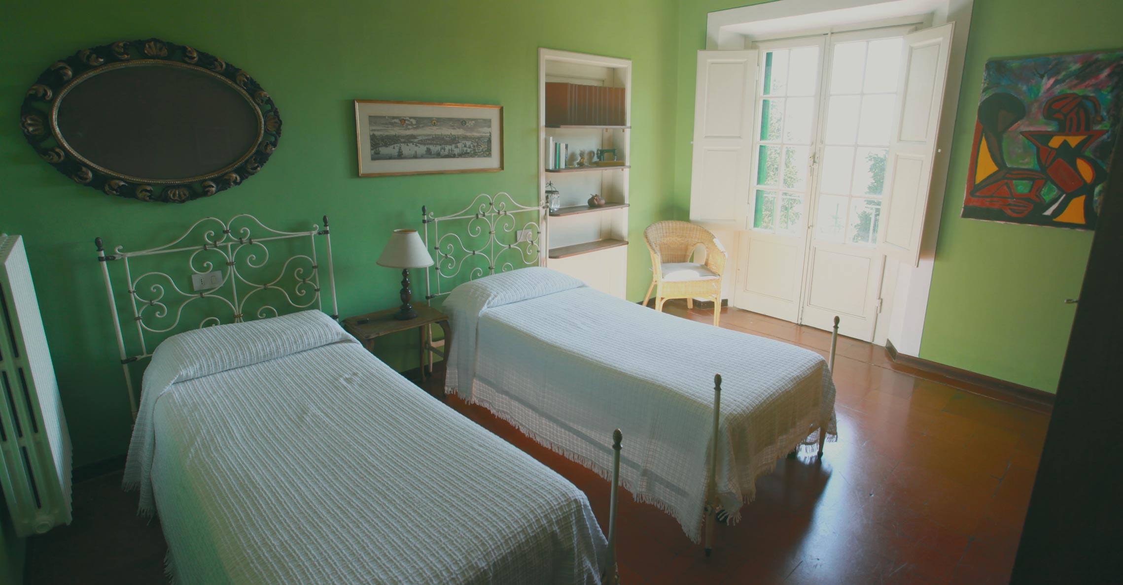 acacia_interior_bedroom_green